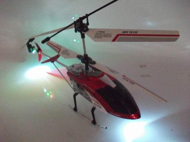 Elicottero Sinonimo : Elicottero radiocomandato canali drone super