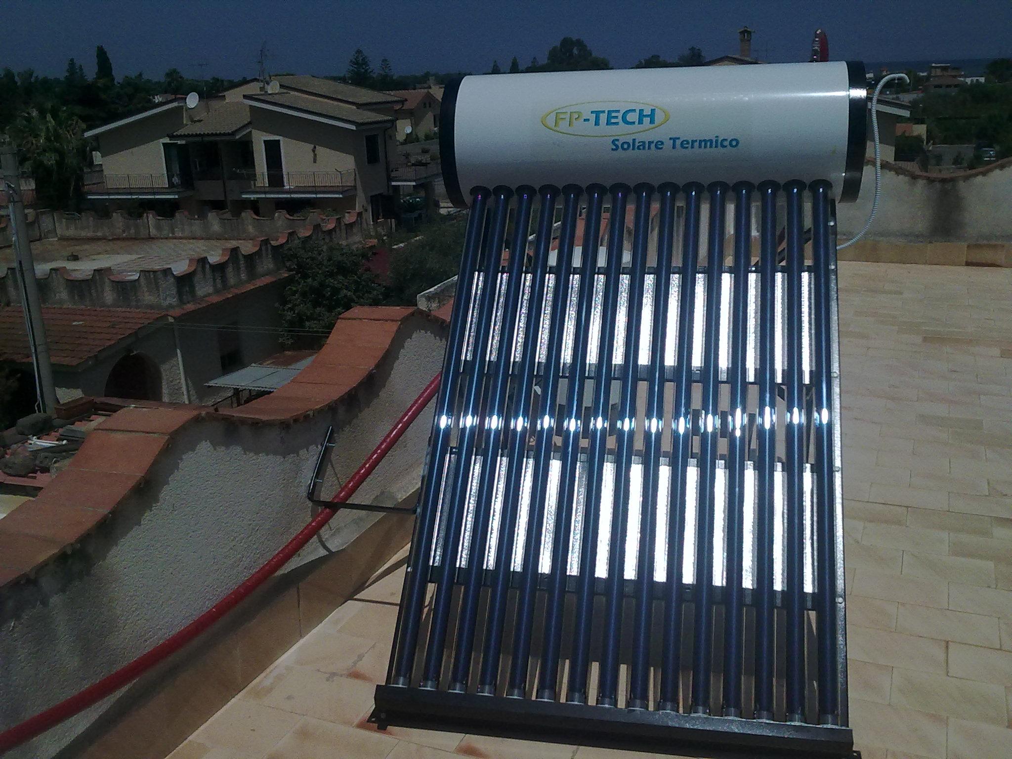 Pannello Solare Termico Zephir Prezzo : Pannello solare termico acqua calda acciaio inox lt