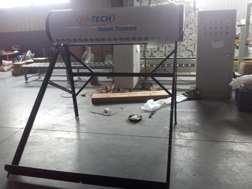 Pannello solare termico acqua calda acciaio inox 180 lt for Schema impianto solare termico fai da te